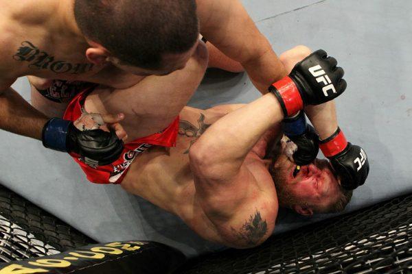 UFC 121 Cain Velasquez beats Lesnar
