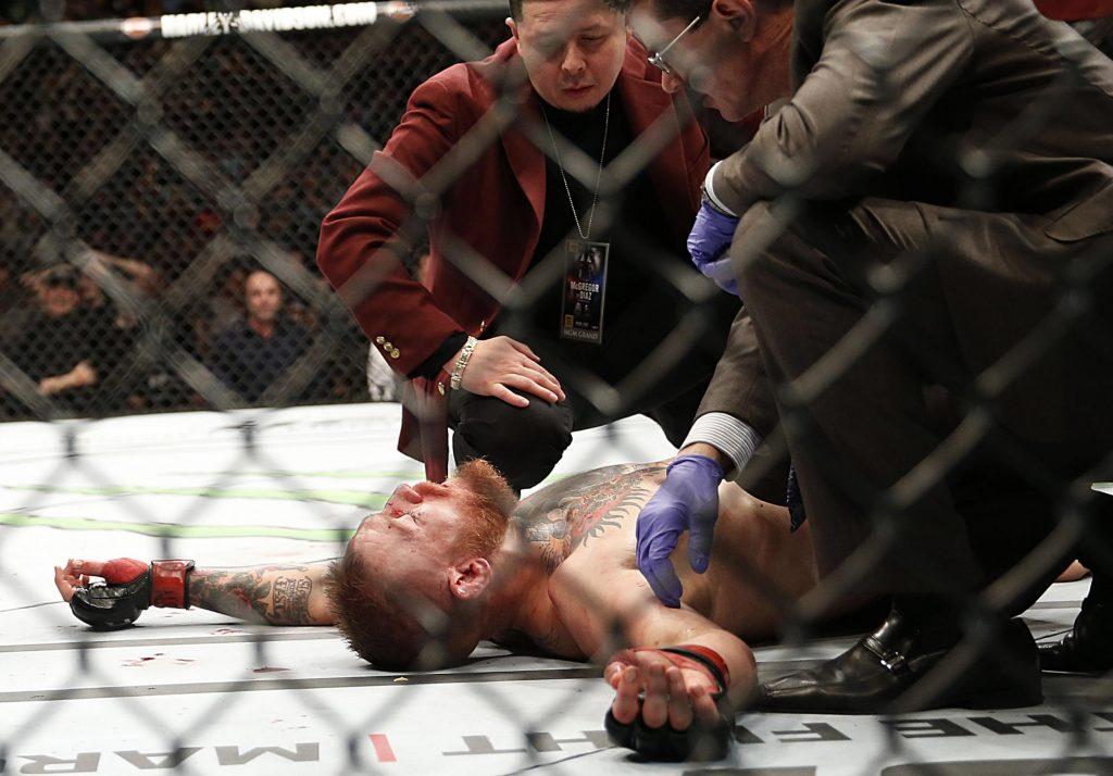 UFC 196 Diaz beats McGregor