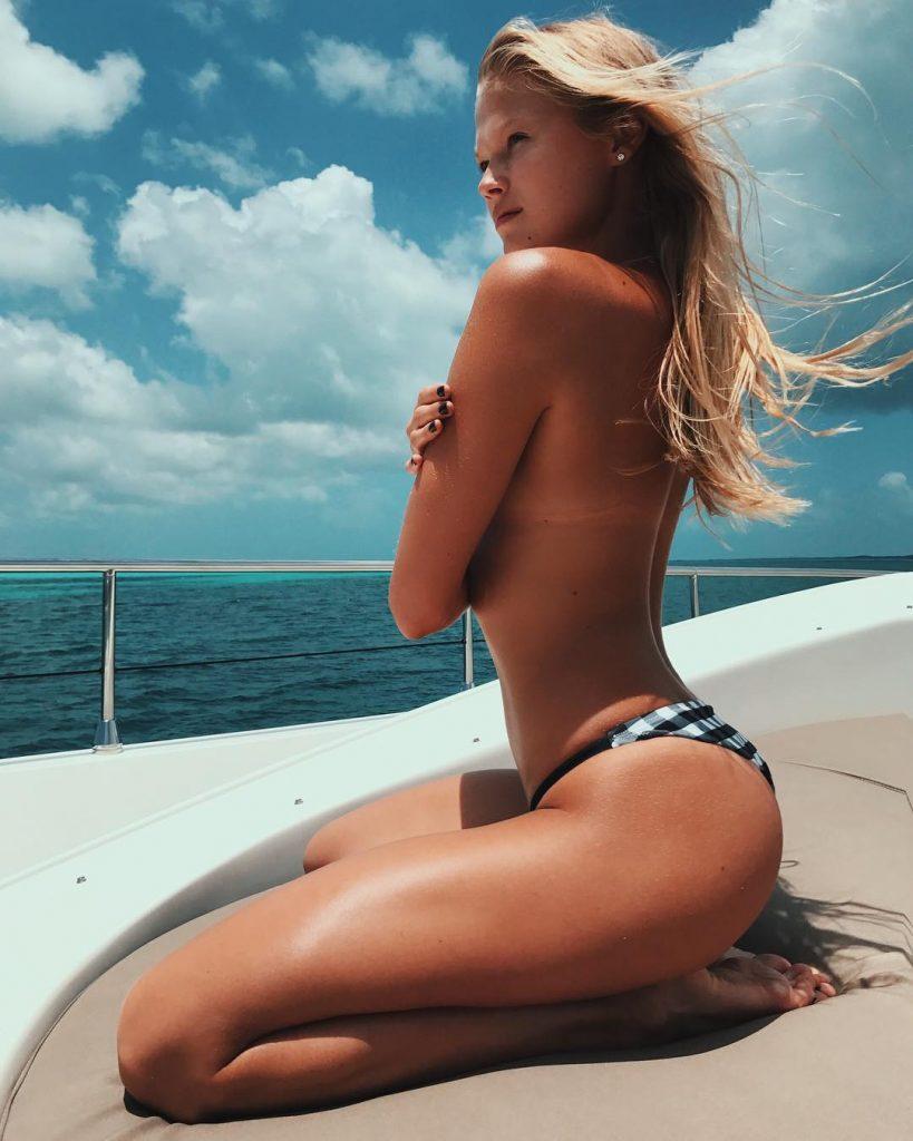 Vita Sidorkina Boat