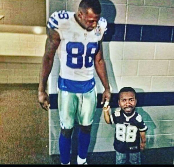 Dez Bryant taking a kid to school