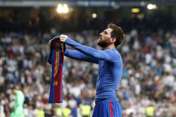 Lionel Messi Showing Real Madrid Fans His Shirt