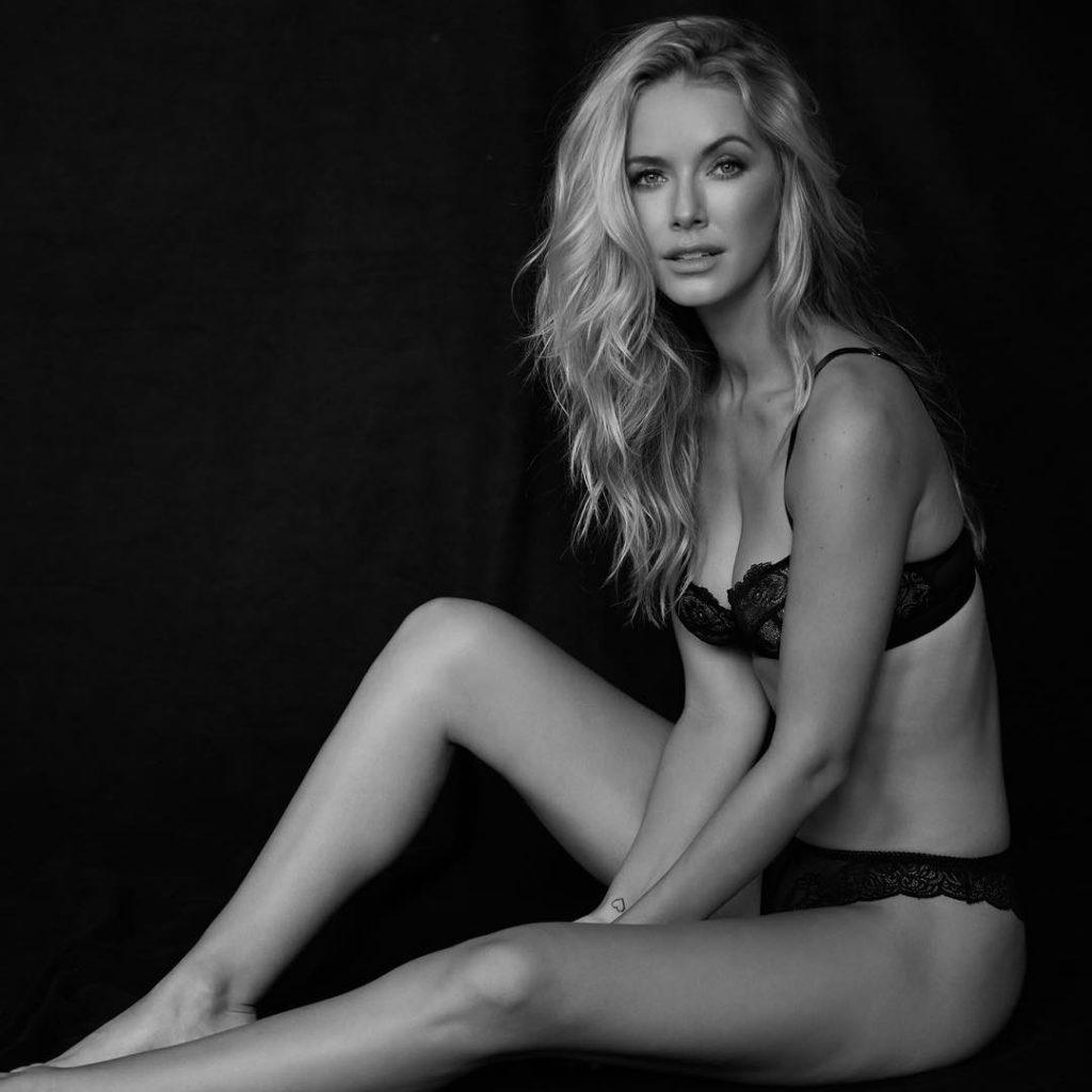 Olivia Jordan - Sitting