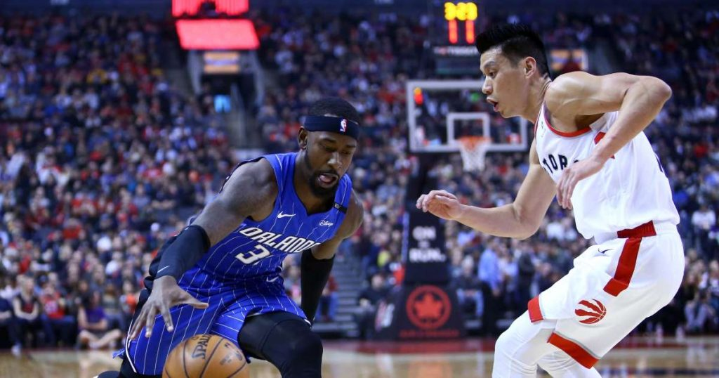 Jeremy LIn playing Defense