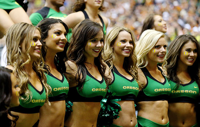 140103163000 alamo bowl oregon cheerleaders 459786793 single image cut Hottest College Football Cheerleaders (Bowl Game Edition)